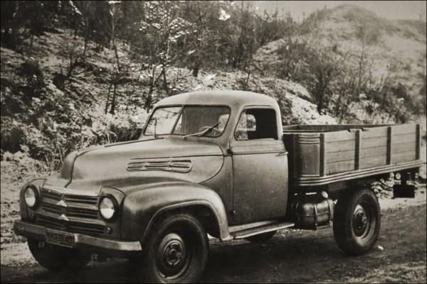 УАЗ-300 - легкий грузовик