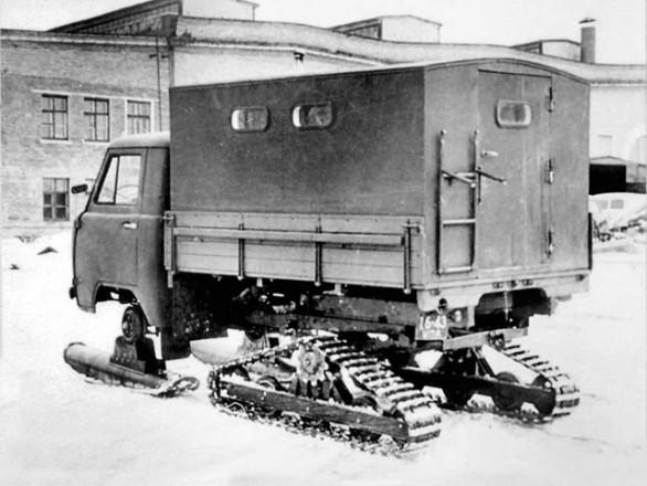 УАЗ-451С - опытный грузовик с гусеничным движителем
